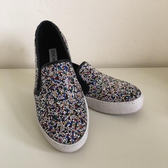 9e3556a2375 Steve Madden Women s Gracious Slip-On Sneaker 6. M 5b5a0a2d1b16db0c908d40f3